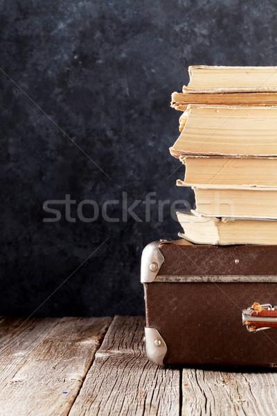 Stockfoto: Oude · boeken · stenen · muur · exemplaar · ruimte · papier · textuur