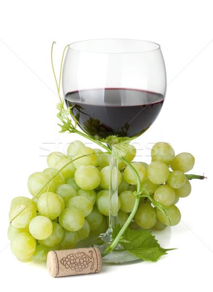 Foto stock: Vinho · tinto · vidro · uvas · isolado · branco · comida