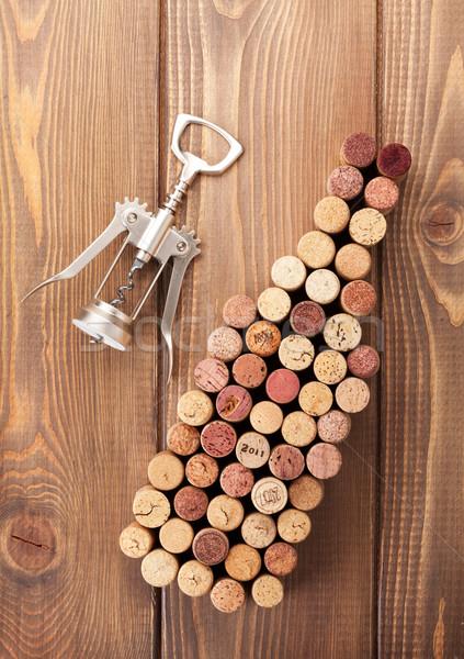 Garrafa de vinho rústico mesa de madeira Foto stock © karandaev