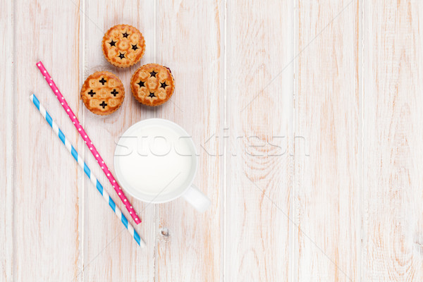Cup of milk and cookies Stock photo © karandaev