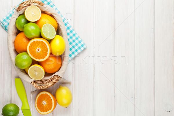 柑橘類 果物 オレンジ レモン 木製のテーブル コピースペース ストックフォト © karandaev