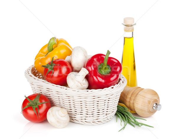 Verse groenten champignons olijfolie peper shaker geïsoleerd Stockfoto © karandaev