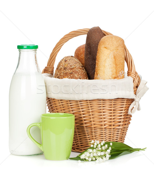 Foto stock: Cesta · de · picnic · pan · leche · botella · aislado · blanco