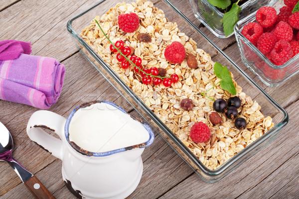 Sağlıklı kahvaltı müsli süt karpuzu ahşap masa Stok fotoğraf © karandaev
