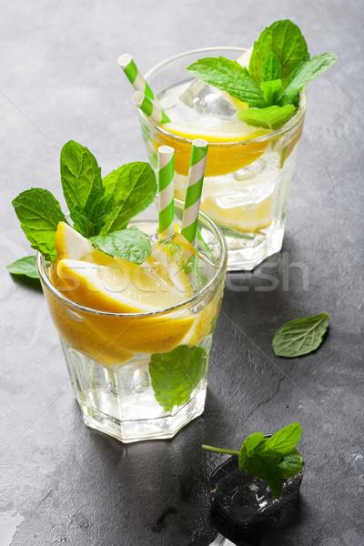 Foto stock: Limonada · limão · de · gelo · pedra · tabela