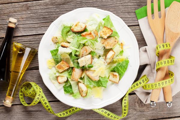 Vers gezonde caesar salade houten tafel top Stockfoto © karandaev