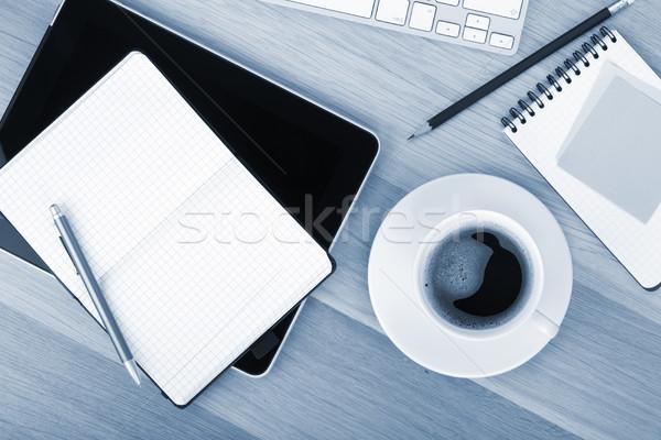Foto stock: Taza · de · café · mesa · de · madera · negocios · oficina