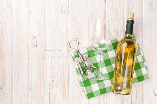 Szkła korkociąg biały drewniany stół górę Zdjęcia stock © karandaev