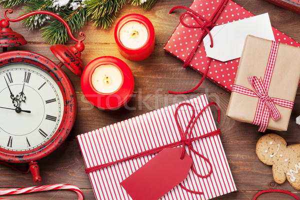 Stock fotó: Karácsony · ajándékdobozok · ébresztőóra · fenyőfa · fa · asztal · felső