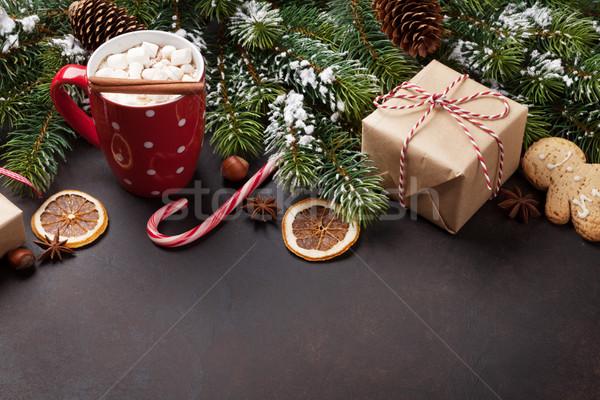 Karácsony fenyőfa forró csokoládé mályvacukor kilátás copy space Stock fotó © karandaev