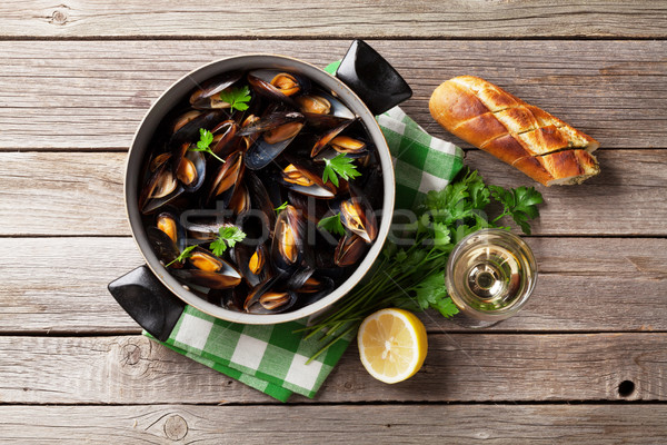 Stock photo: Mussels and white wine