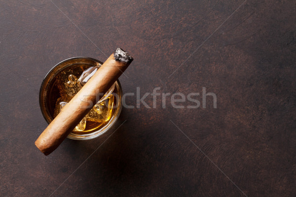 Whisky lodu cygara górę widoku kopia przestrzeń Zdjęcia stock © karandaev
