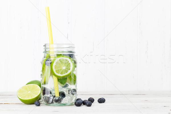Vers limonade jar zomer vruchten bessen Stockfoto © karandaev