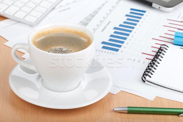 Stock fotó: Kávéscsésze · kortárs · munkahely · pénzügyi · papírok · számítógép