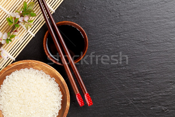 Japans sushi eetstokjes sojasaus kom rijst Stockfoto © karandaev