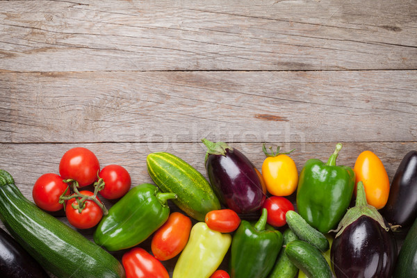 ストックフォト: 新鮮な · 農民 · 庭園 · 野菜 · 木製のテーブル · 先頭