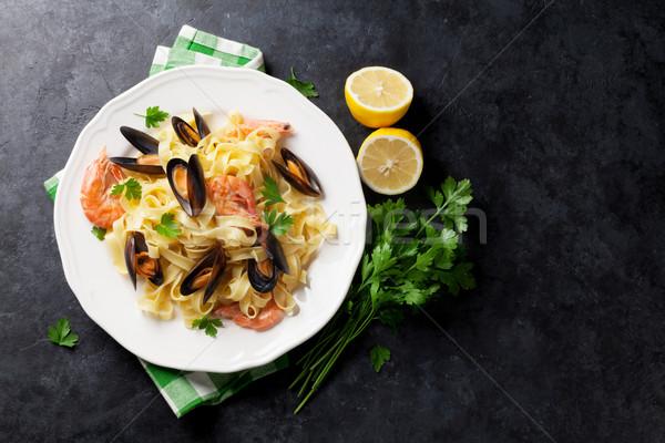 Macarrão frutos do mar pedra tabela topo Foto stock © karandaev