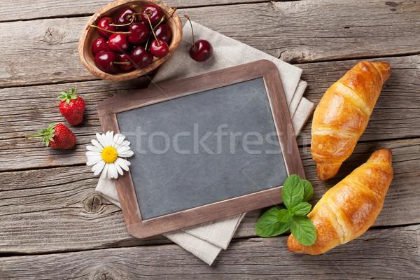 Pizarra texto croissants superior vista espacio de la copia Foto stock © karandaev