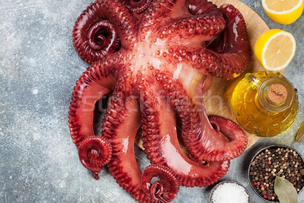 Brut poulpe cuisson épices pierre table Photo stock © karandaev