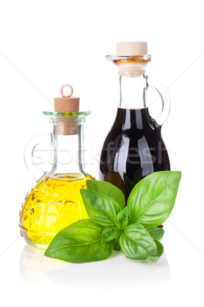 Fresche giardino basilico aceto olio d'oliva isolato Foto d'archivio © karandaev