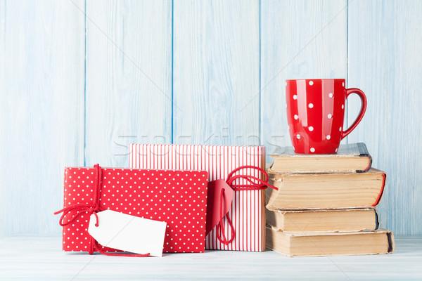 Sıcak çikolata fincan Noel hediyeler hediye kutuları görmek Stok fotoğraf © karandaev