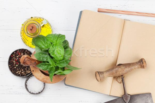 Cozinha italiana manjericão azeite temperos cozinhar topo Foto stock © karandaev