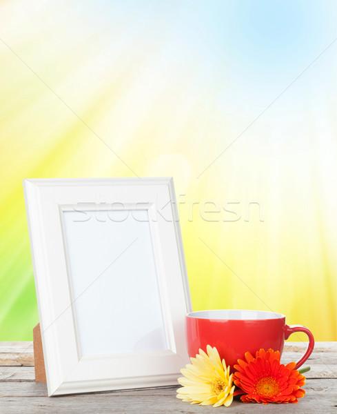 Сток-фото: Кубок · кофе · цветы · деревянный · стол · цветок