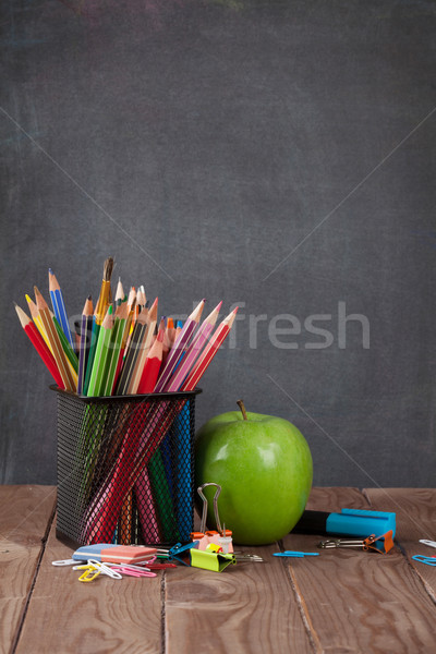 Escuela manzana aula mesa pizarra Foto stock © karandaev