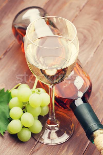 Białe wino winogron drewniany stół żywności wina charakter Zdjęcia stock © karandaev