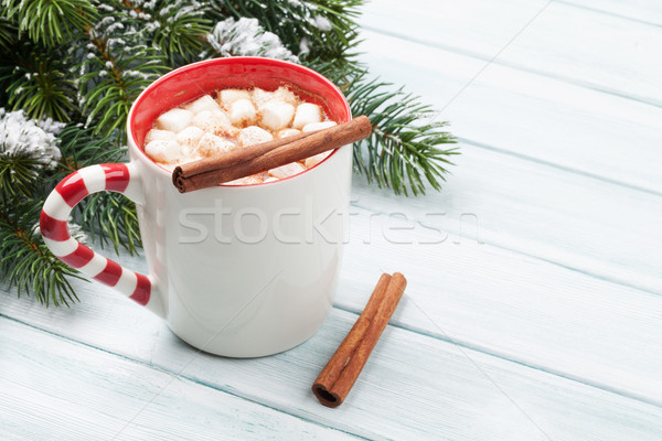 Forró csokoládé mályvacukor karácsony fenyőfa fa asztal kilátás Stock fotó © karandaev