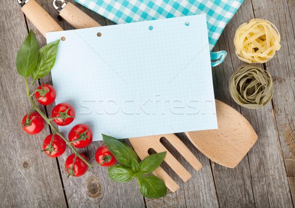 Bloc de notas papel recetas alimentos mesa de madera madera Foto stock © karandaev