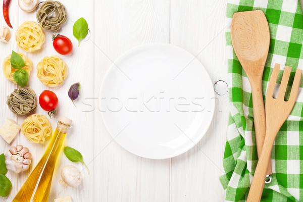 итальянской кухни приготовления Ингредиенты пусто пластина пасты Сток-фото © karandaev