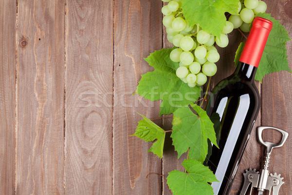 виноград бутылку штопор деревянный стол Сток-фото © karandaev