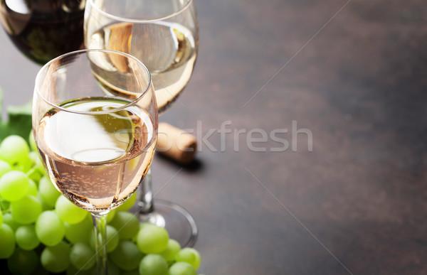 Borospoharak szőlő kő asztal űr étel Stock fotó © karandaev