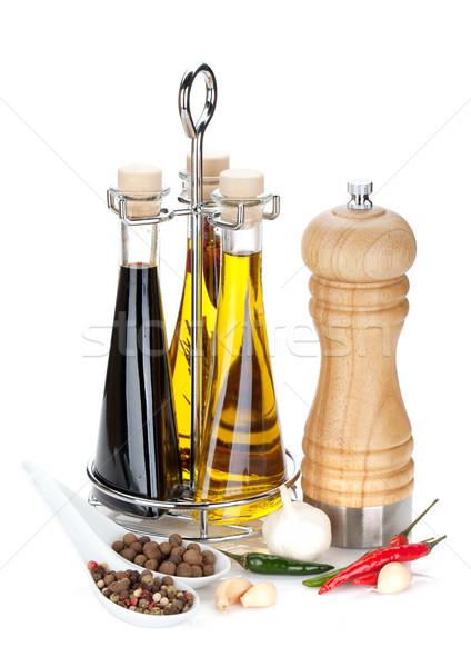 Olio d'oliva aceto bottiglie pepe shaker spezie Foto d'archivio © karandaev