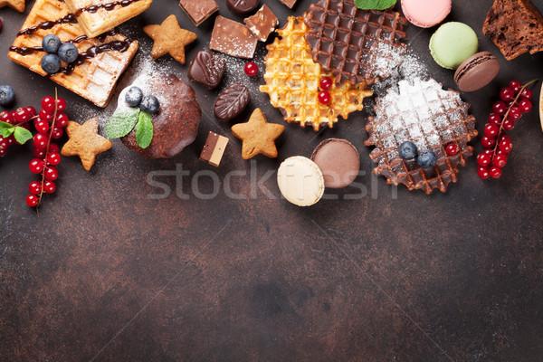 Сток-фото: конфеты · конфеты · каменные · таблице · Top · мнение
