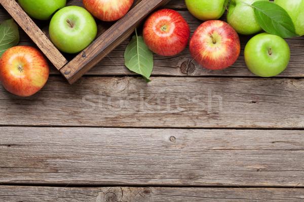 Stockfoto: Groene · Rood · appels · rijp · houten · tafel · top