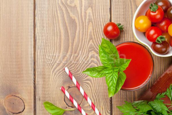 Vers tomatensap smoothie basilicum houten tafel top Stockfoto © karandaev