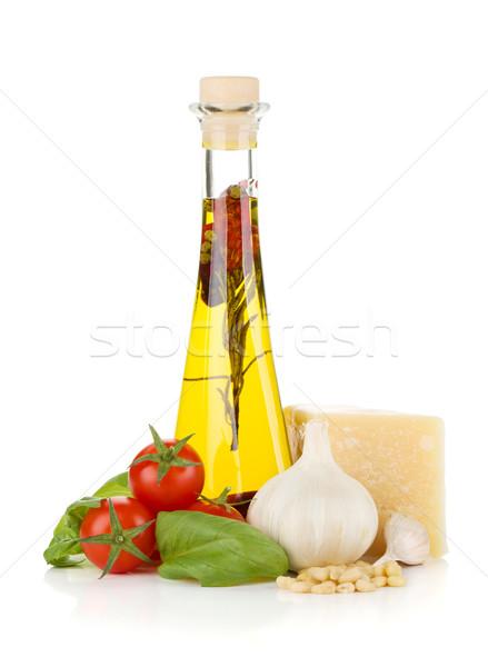 Aceite de oliva tomates cherry albahaca ajo parmesano aislado Foto stock © karandaev