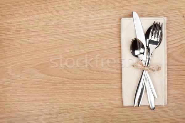 Argenterie fourche cuillère couteau table en bois Photo stock © karandaev