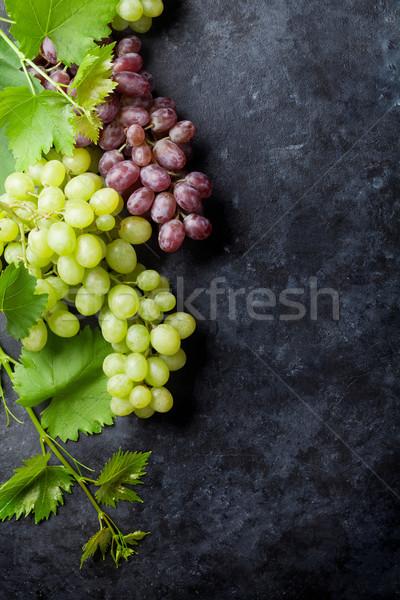 Foto stock: Vermelho · branco · uvas · pedra · tabela · topo