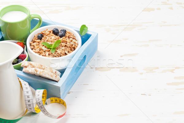 Stockfoto: Gezonde · ontbijt · ingesteld · müsli · bessen · melk