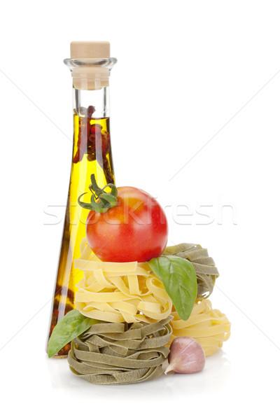 Comida italiana macarrão tomates azeite isolado branco Foto stock © karandaev