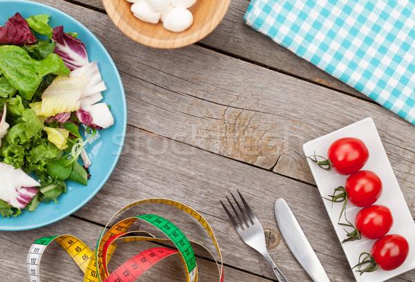 Taze sağlıklı salata domates mozzarella ahşap masa Stok fotoğraf © karandaev