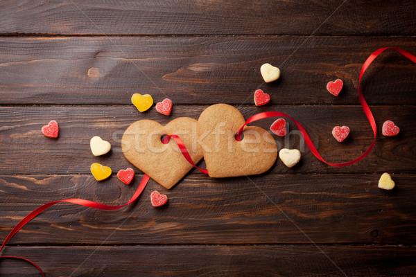 Stockfoto: Valentijnsdag · wenskaart · hart · cookies · houten · tafel · top