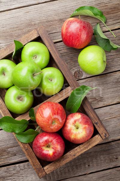 Stockfoto: Groene · Rood · appels · rijp · houten · vak