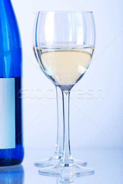 ストックフォト: 青 · ボトル · 白ワイン · 2 · ワイングラス · ガンマ