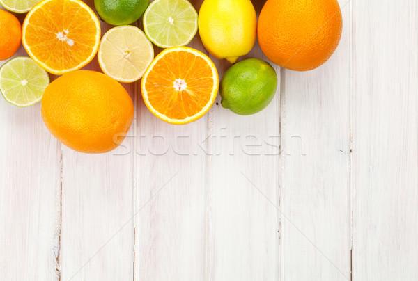 цитрусовые плодов апельсинов лимоны деревянный стол копия пространства Сток-фото © karandaev