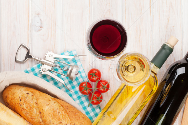 White and red wine, cheese and bread Stock photo © karandaev