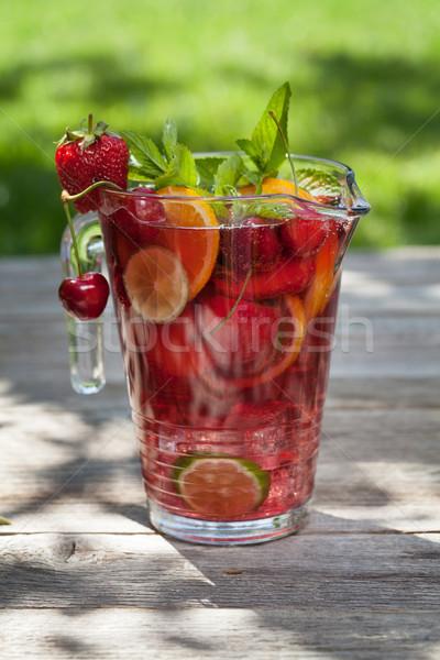 Házi készítésű limonádé nyár gyümölcsök bogyók szabadtér Stock fotó © karandaev